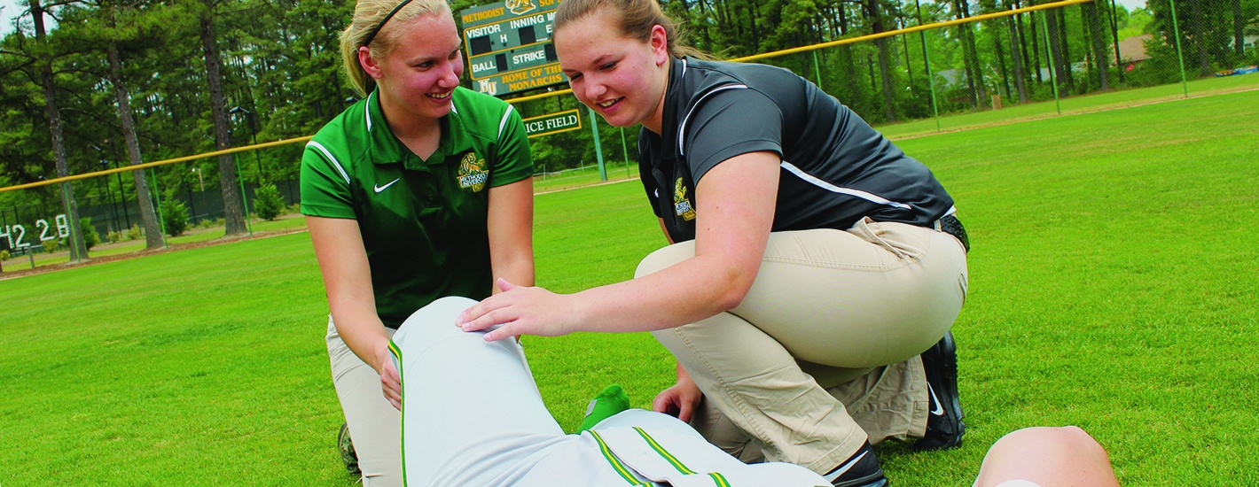 Student Athletic Trainers at work
