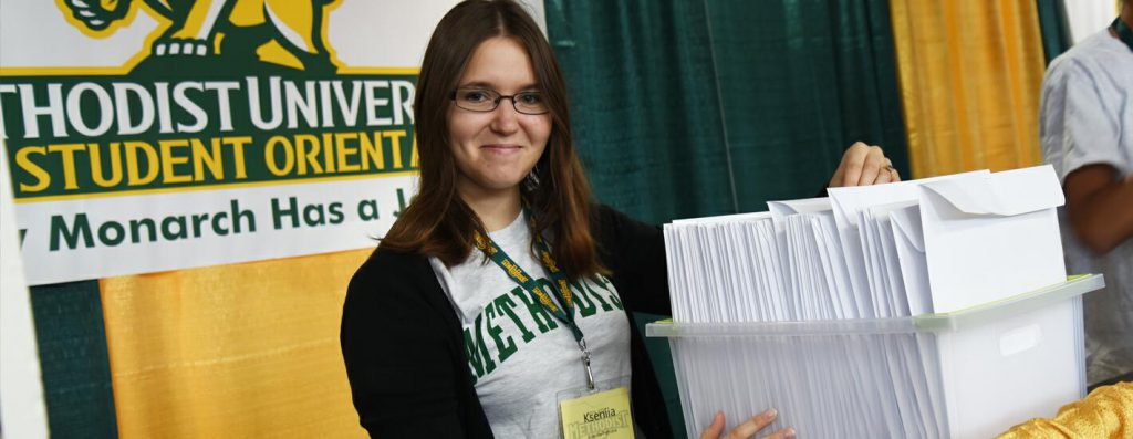 A student volunteer at New Student Orientation